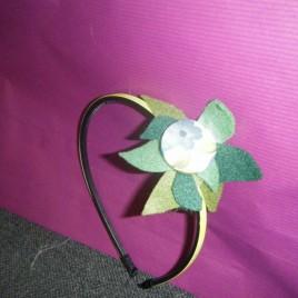 Diadema flores verde